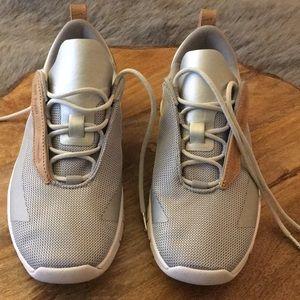 Nike Wmns Rivah SE Premium Metallic Silver